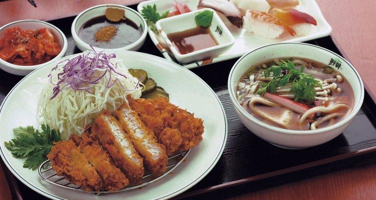 El mirin se usa a menudo en las salsas japonesas.
