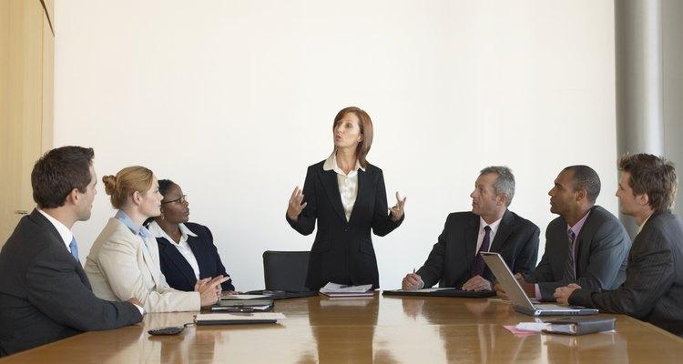 Los supuestos incluyen los elementos más básicos de la cultura de la organización.