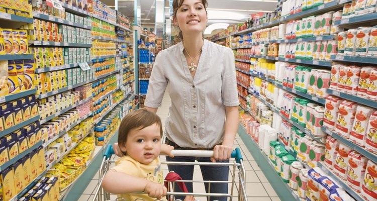 Los endocrinólogos reproductivos ayudan a tener hijos a las parejas con trastornos hormonales.