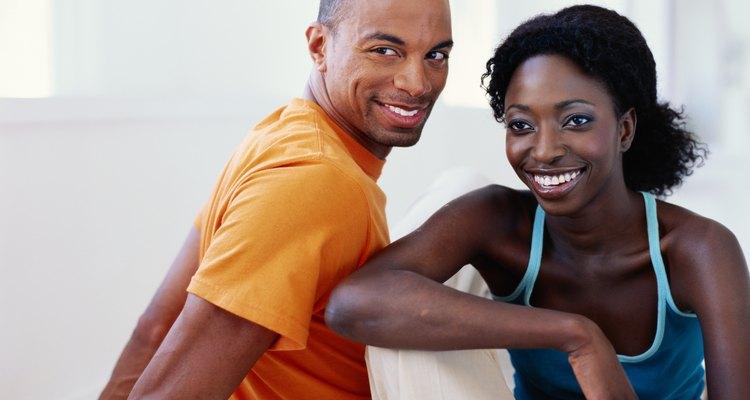 Casais podem participar de divertidos jogos em grupo para conhecerem melhor um ao outro