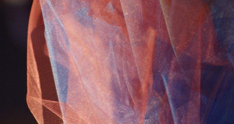 O tule é encontrado em muitas cores