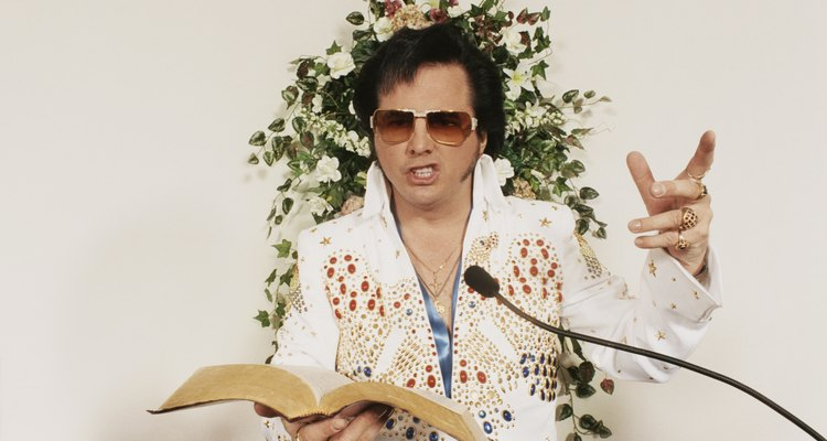 Elvis Presley tem muitos imitadores de todas as fases de sua vida