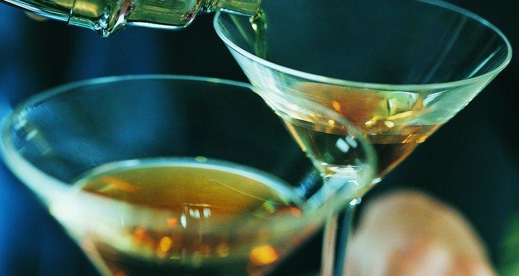 El brandy se destila de pulpa, pieles y jugo de fruta.