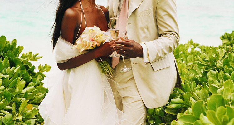 El matrimonio es una de las diversas formas de relación hombre-mujer.