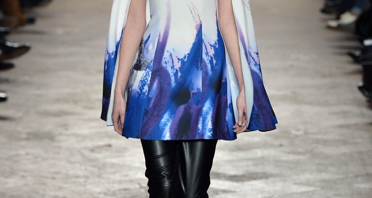 Los diseños de Wang Peiyi estuvieron en la pasarela de la Semana de la Moda de Milán de Otoño/Invierno 2013-2014.