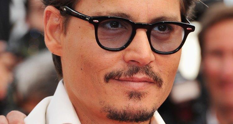 Os óculos de Johnny Depp inspiram outros homens a acharem os seus