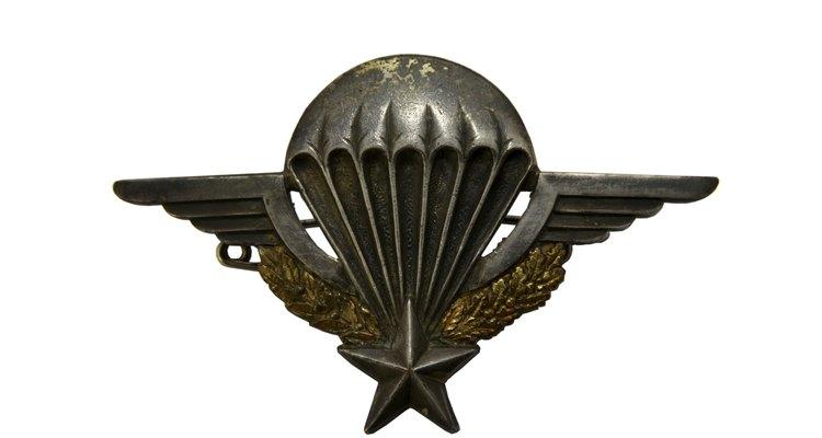 medal paratrooper