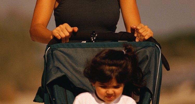 La durabilidad de los cochecitos los hace adecuados para niños pequeños o mayores de cinco años.