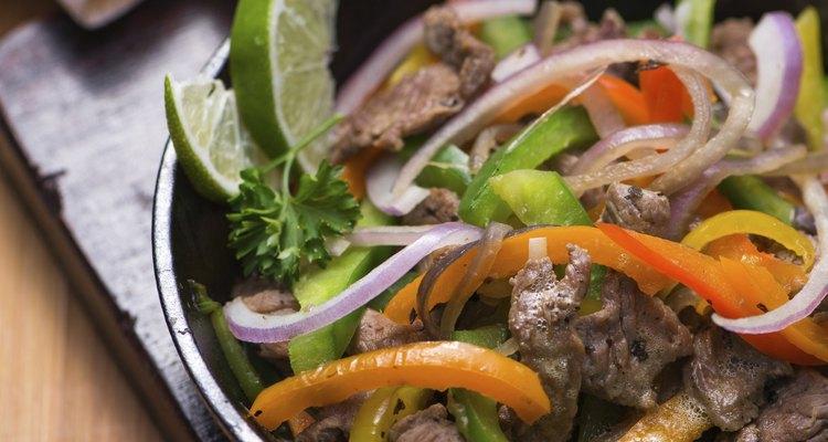 Las fajitas son un plato típico de México.