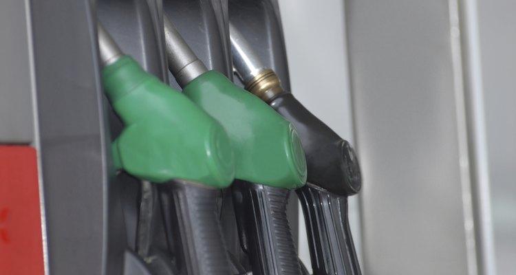 Puedes utilizar el aceite usado para fabricar jabón.