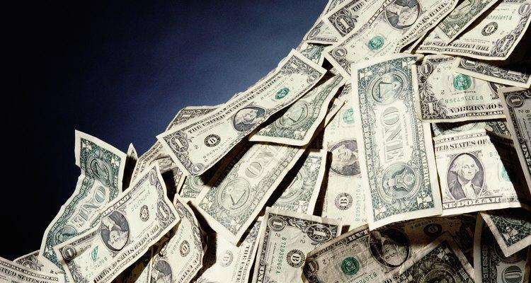 La teoría de la preferencia de liquidezsostiene que un individuo prefiere tener dinero, todo lo demás siendo equitativo.