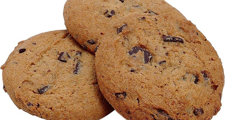Deixe os biscoitos velhos frescos utilizando pão