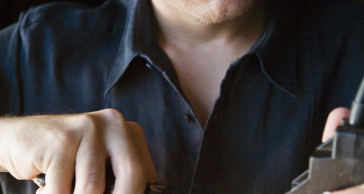 O pronador redondo movimenta o braço ao usar uma chave de fenda