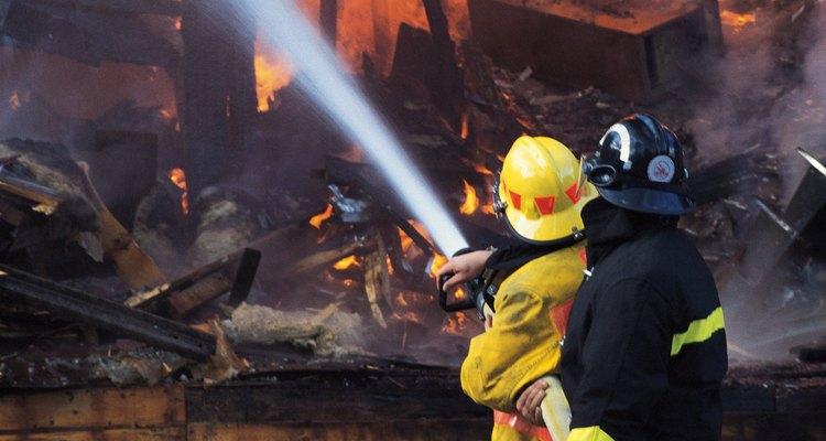 Ser un bombero voluntario tiene muchos beneficios.