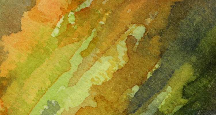 Crie efeitos interessantes sobre um tecido utilizando a aquarela como técnica de pintura