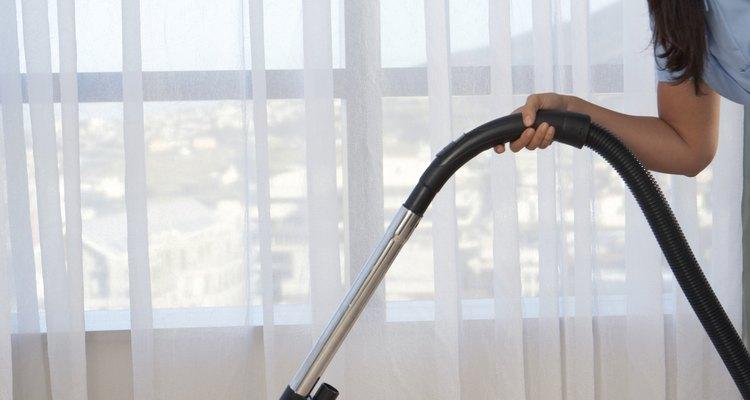 Aprenda a limpar o filtro HEPA do aspirador Rainbow série E