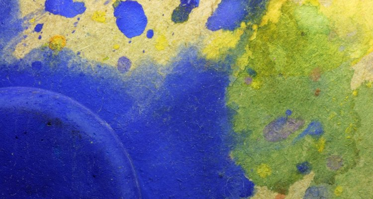 Tinta aquarela pode ser difícil de retirar