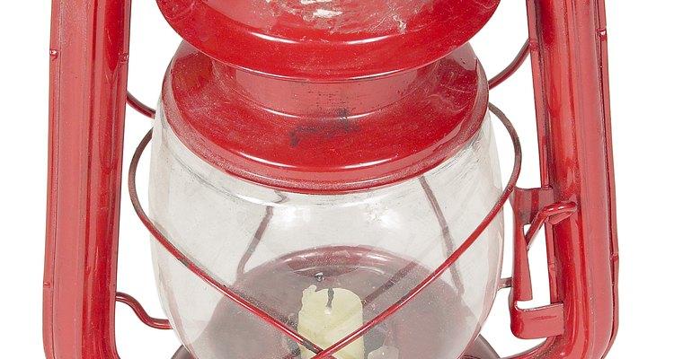 O querosene é usado como combustível para lamparinas
