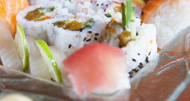 Las guarniciones hacen al sushi una experiencia tanto visual como sabrosa.