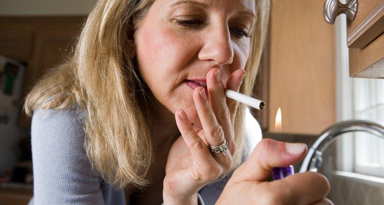 Quita el olor a humo de la casa y la ropa con productos para el hogar.