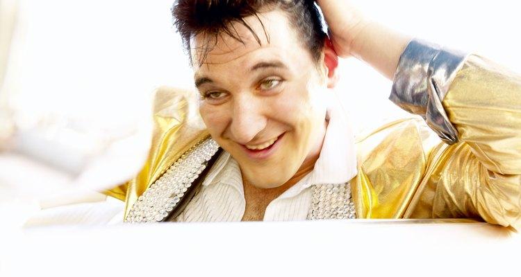 Faça o penteado do Elvis Presley