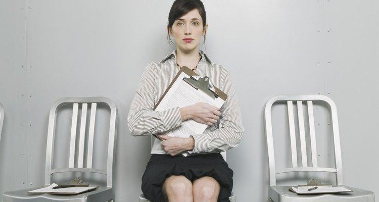 Puedes responder por qué dejaste tu trabajo anterior de manera profesional y honesta.
