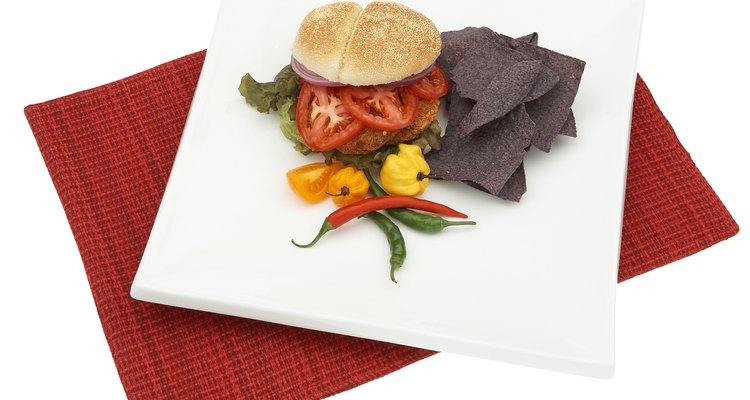 Las hamburguesas de frijoles pueden ser adaptadas para varios perfiles de sabor.