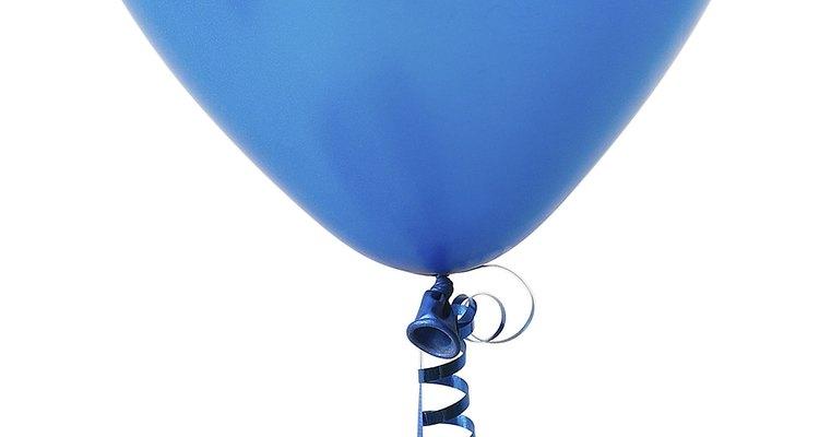 Make a plaster balloon using craft materials.