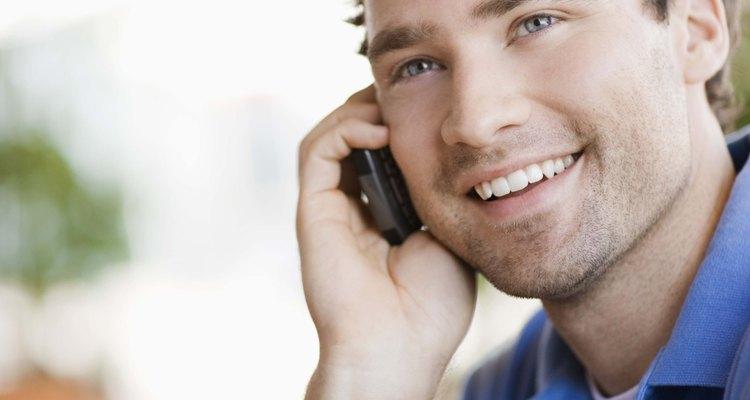 Hablar en el teléfono es una buena forma de mantener tus relaciones.