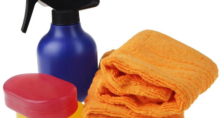 Para limpar seu tênis serão necessários poucos produtos
