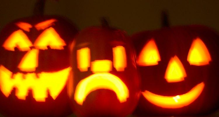 Festeja Halloween con divertidos juegos para adultos.