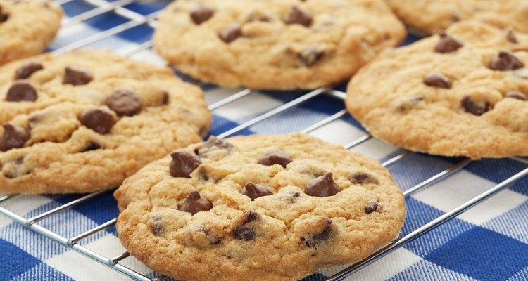 Comidas feitas com cereais, como biscoitos, pães e cerveja, contêm glúten