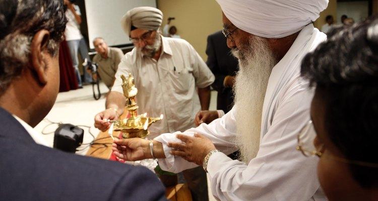 Wisconsin Community Reels After Gunman Kills Six At Sikh Temple