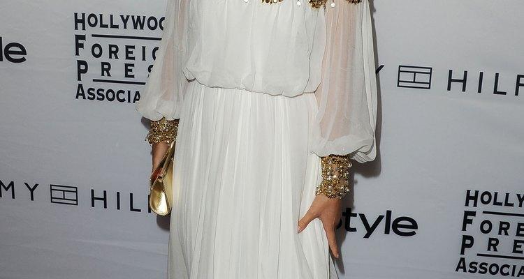 Este vestido Marchesa alude a la majestuosidad de los dioses griegos, y la actriz Olivia Wilde sabe exactamente cómo hacer alarde con él.
