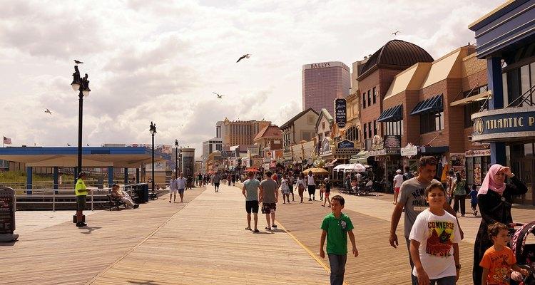 Families walking on the boardwalk in Atlantic City