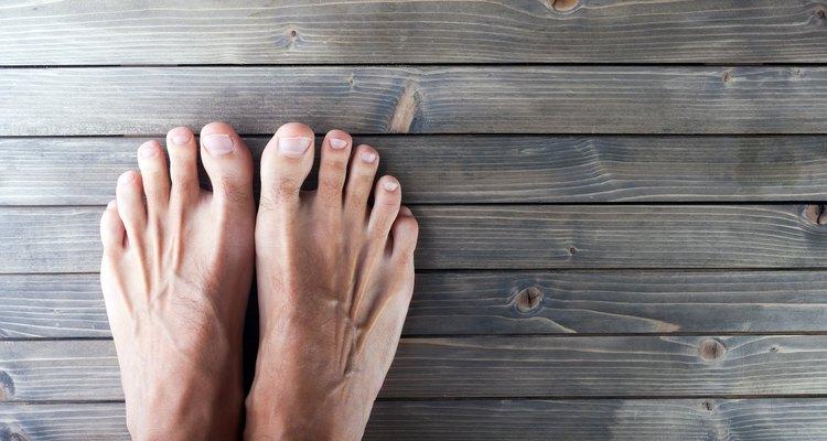 ¿Cuáles son las causas de una sensación de ardor en los dedos de los pies?