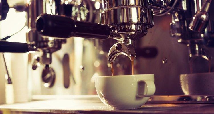 Una nueva investigación afirma que las cafeteras podrían contribuir al Síndrome del edificio enfermo.