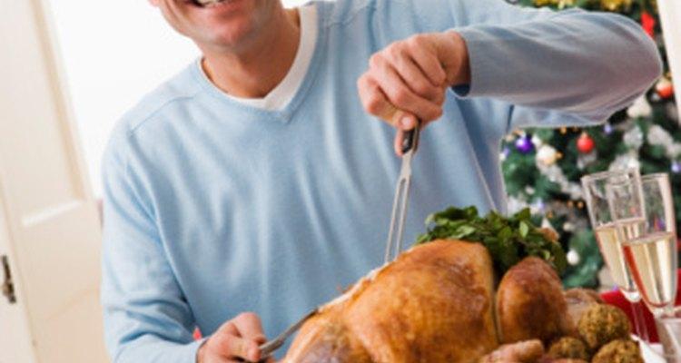 Cuando comes comidas grandes, el exceso de calorías se almacena como grasa rápidamente.