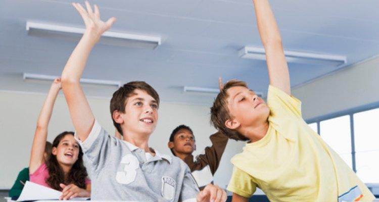 Un clima positivo en el aula fomenta la participación de los estudiantes.