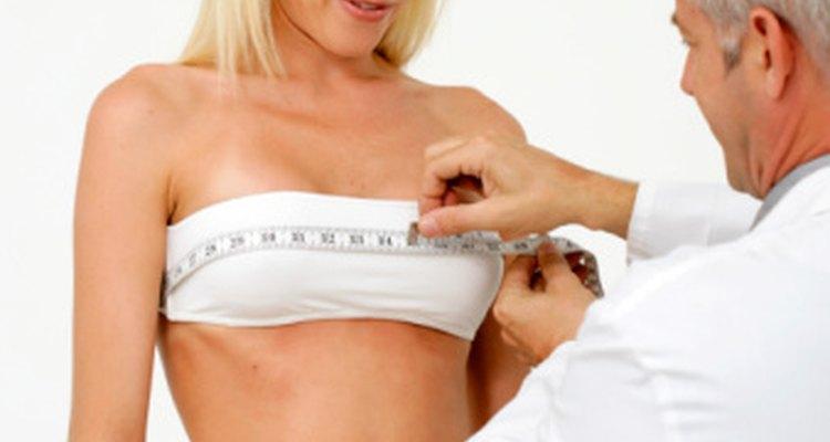 Dolor alrededor de la mama izquierda podría ser un signo de una enfermedad cardíaca.