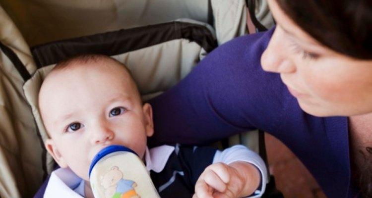 Una botella sin refrigerar de fórmula para bebé preparada sólo es buena por una hora.