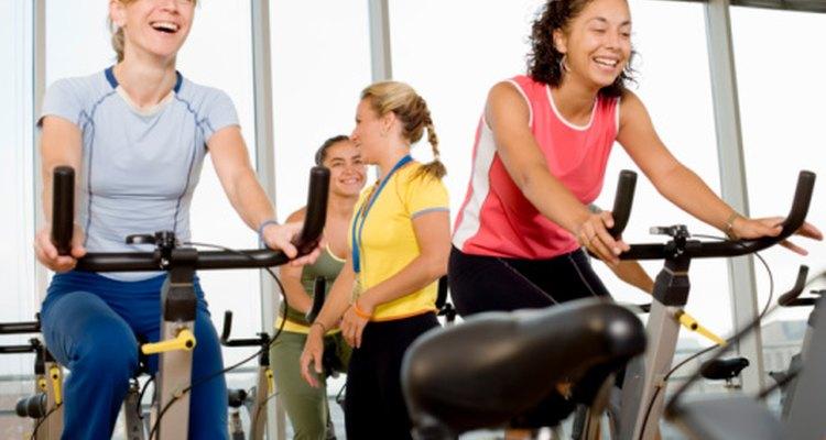 Varía la duración y frecuencia de tu ciclismo para reducir el dolor de bursitis.