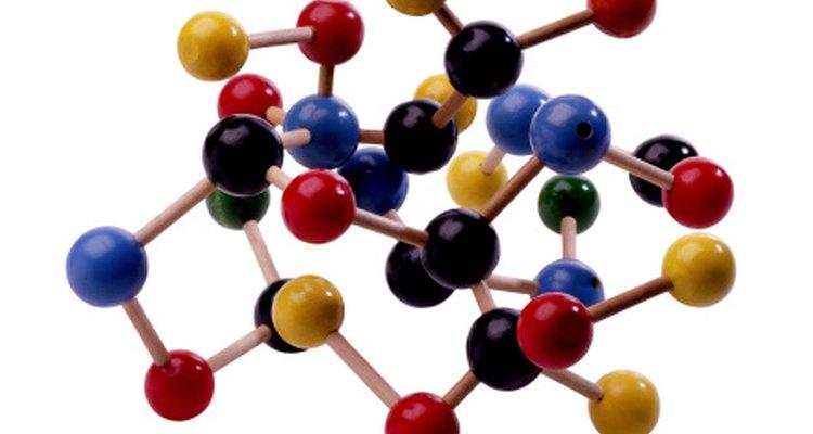 Muchos monosacáridos tienen la misma fórmula química pero diferentes estructuras moleculares por lo que forman azúcares distintos.