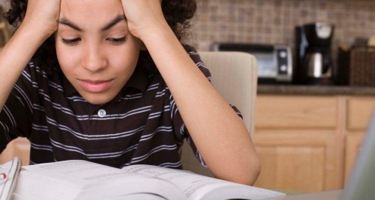 Los exámenes estándares son un problema visible dentro de la educación primaria.