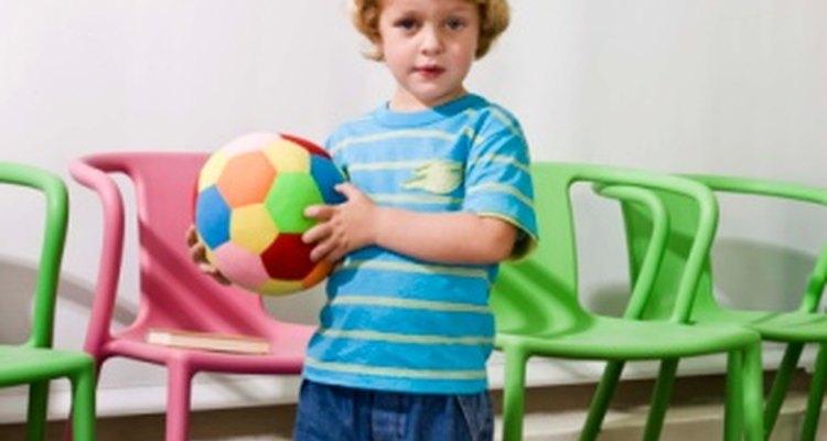 Las pelotas son juguetes clásicos para los niños.