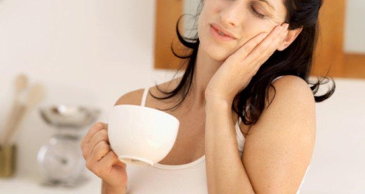 Los líquidos calientes pueden causar alveolitis seca después de una extracción dental.