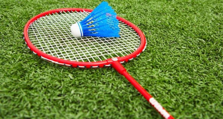 Los niños en la America colonial jugaban battledores, una forma antigua de badminton.