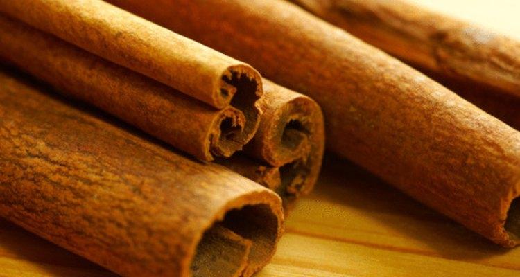 La canela tiene propiedades similares a la insulina y puede ayudar a perder peso.