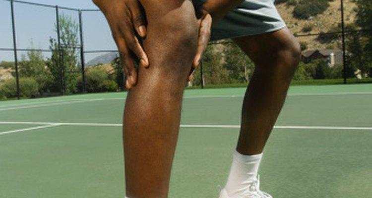 El dolor en la pantorrilla puede ser causada por diversos factores.