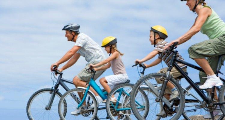 El ciclismo ofrece tanto entretenimiento como un medio de transporte.